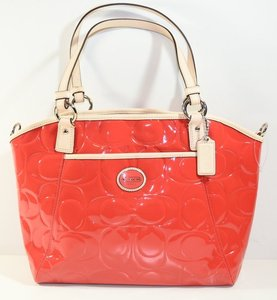 Coach PEYTON EMBOSSED PATENT POCKET TOTE Value $398 – Giveaway – Ends June 14