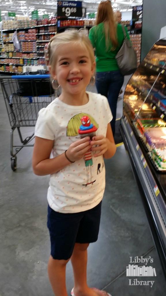 HeroesEatMMs Cupcakes