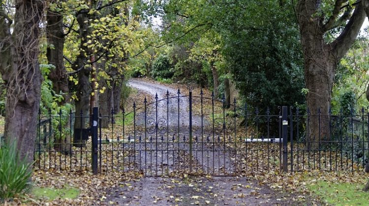 Beautiful Gate on Country Diveway -Here's How to Choose the Perfect Gate Automation Kit