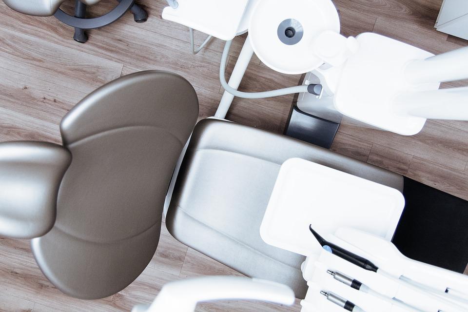 Dental Chair - Straight Teeth