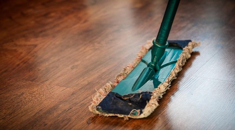 Dust Mom on Hardwood Floor - Clean Any Type Of Floor