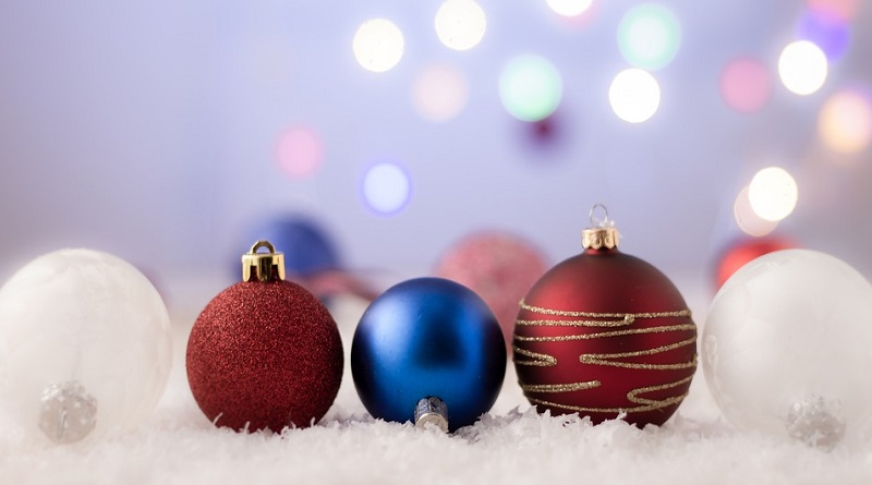 Ornaments in Snow - 2019 Holiday Gift Guide - Beauty/ Skin Care / Hair Care