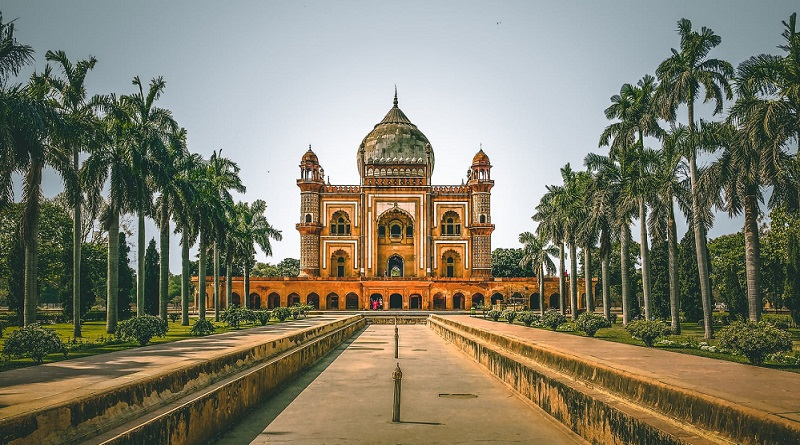 Mosque in New Delhi - The Ultimate Travel Checklist For A Trip To India