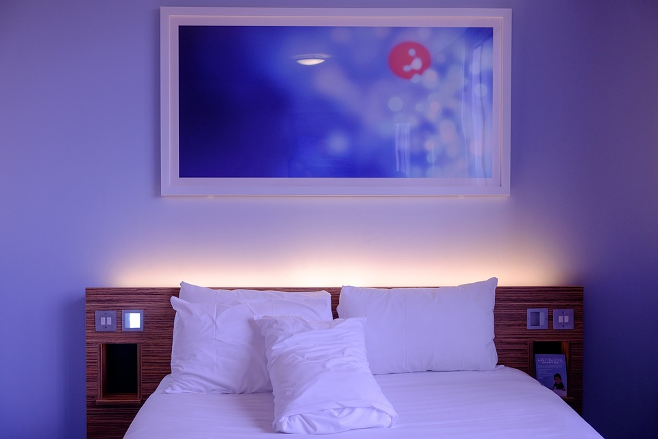 Bedroom with Dim Lighting - Perfect Sleep Environment