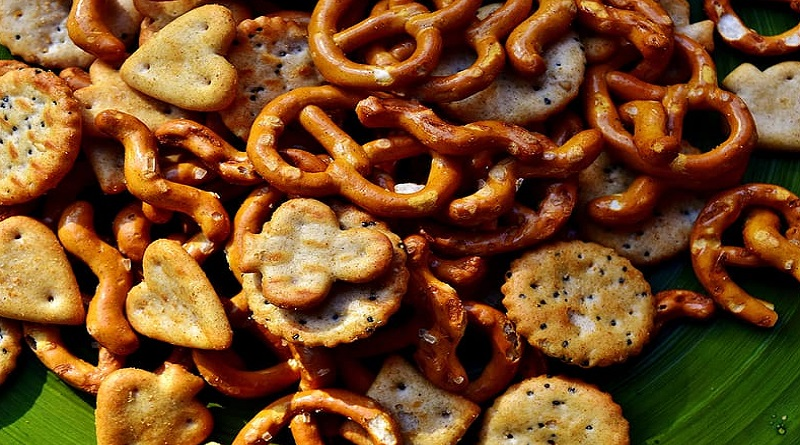 Pretzels and small crackers - Shopping with Kids