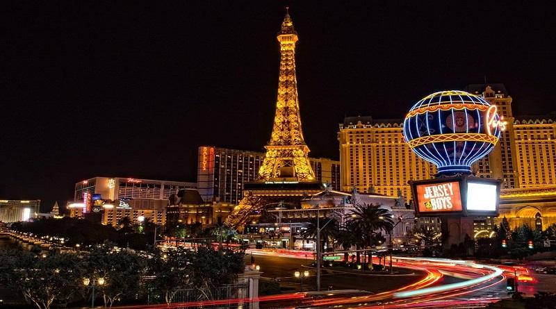 Las Vegas at Night - Gambling During Your Travels