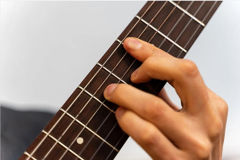 learn classical guitar