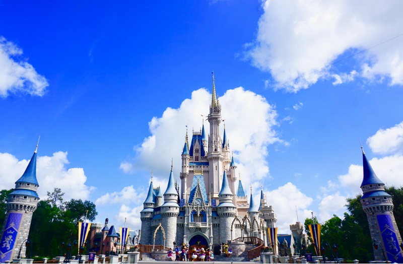 Disney World Where It's Always Sunny: 10 Pros and Cons of Living in Florida
