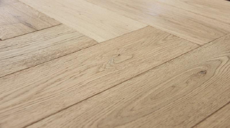 Guide to Modern Flooring Herringbone Wood Floor