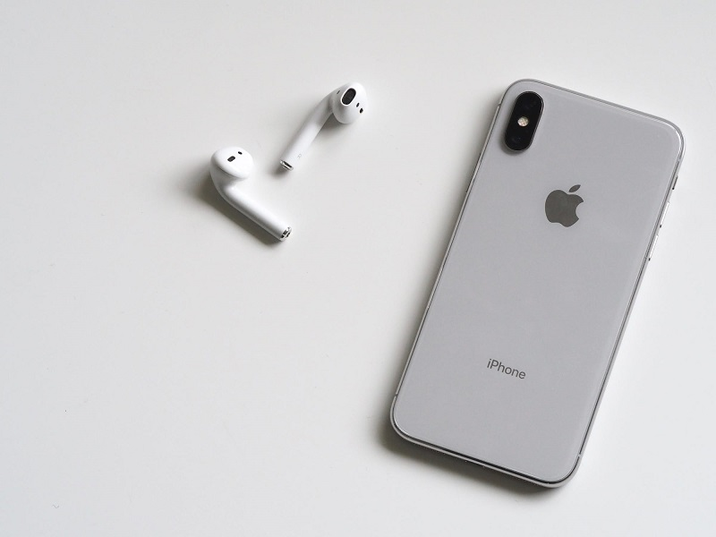 iPhone and EarPods Why Apple is the Most Popular Tech Brand