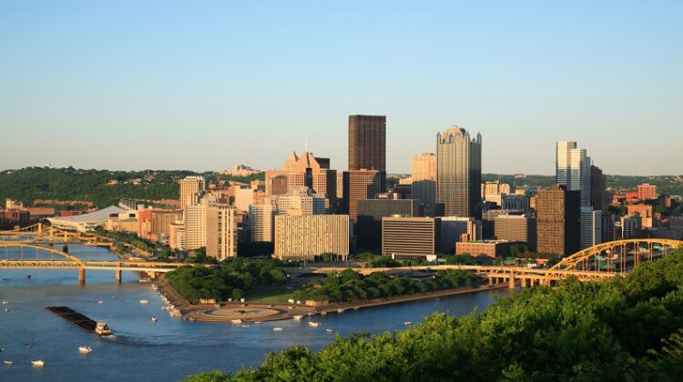 Pittsburgh, PA Skyline view of Pittsburgh, PA