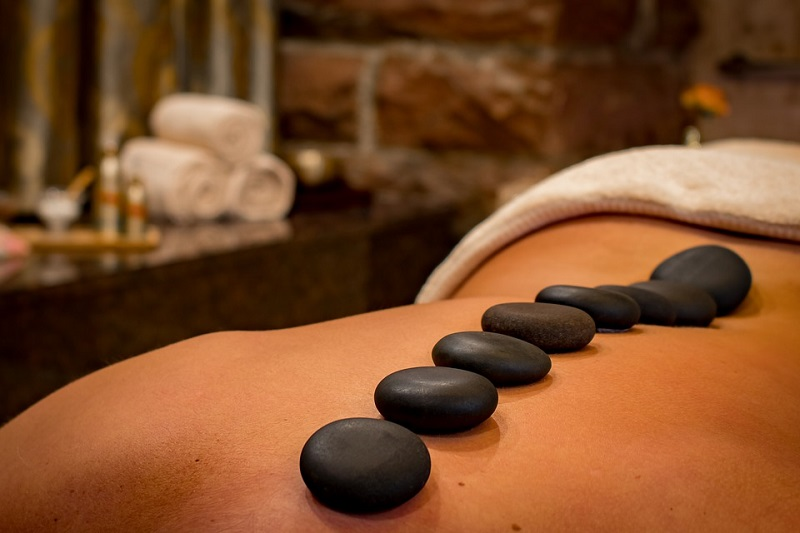 Hot stone massage Good Massage Tables from Companies Like Yaheetech: Home and Professional