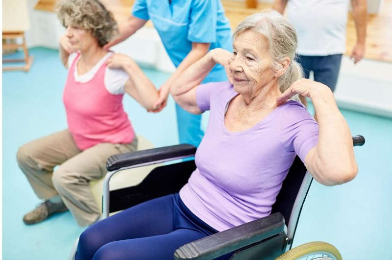Types of Senior Care Senior Adults getting physical therapy