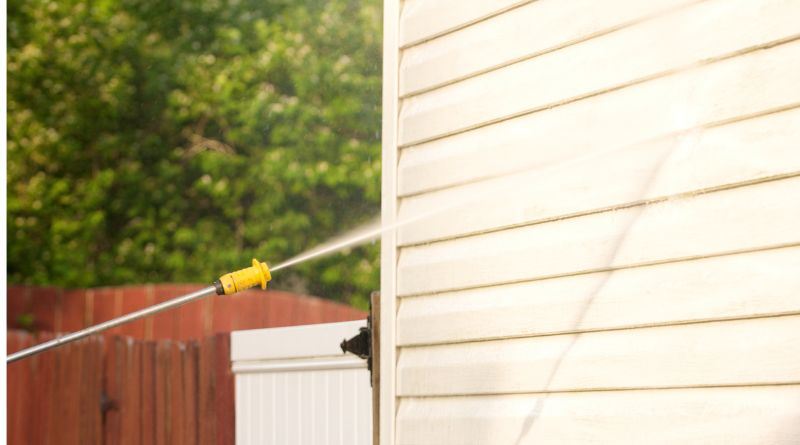 Pressure Washing the side of a House