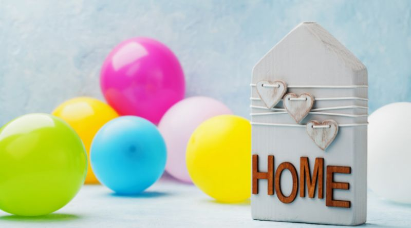Gift Ideas for New Home Owners Balloons and Decor for House Warming