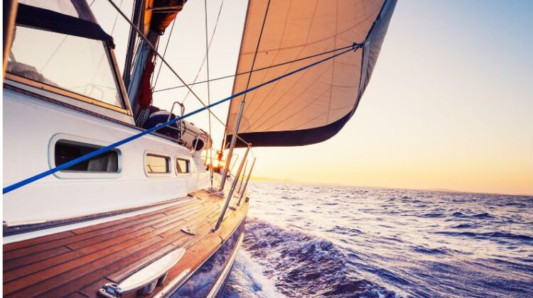 Reasons to Rent A Yacht For Your Next Vacation Small Yacht on the Sea